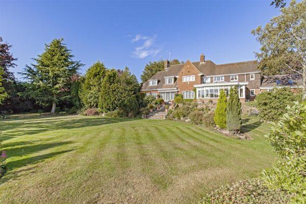 Belfit House, Nethermoor Road, Wingerworth, Chesterfield, S42 6LJ